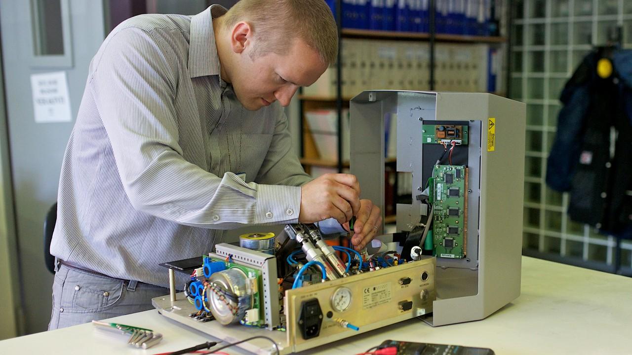 Dịch vụ sửa chữa thiết bị, máy móc