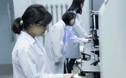 các quy tắc an toàn trong phòng thí nghiệm