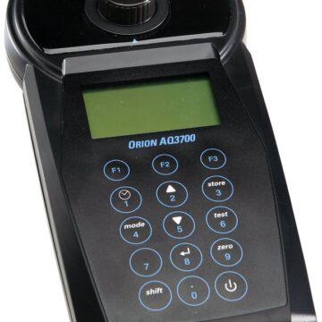 máy quang pho cam tay AQ3700